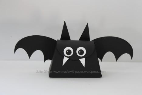little purse bat