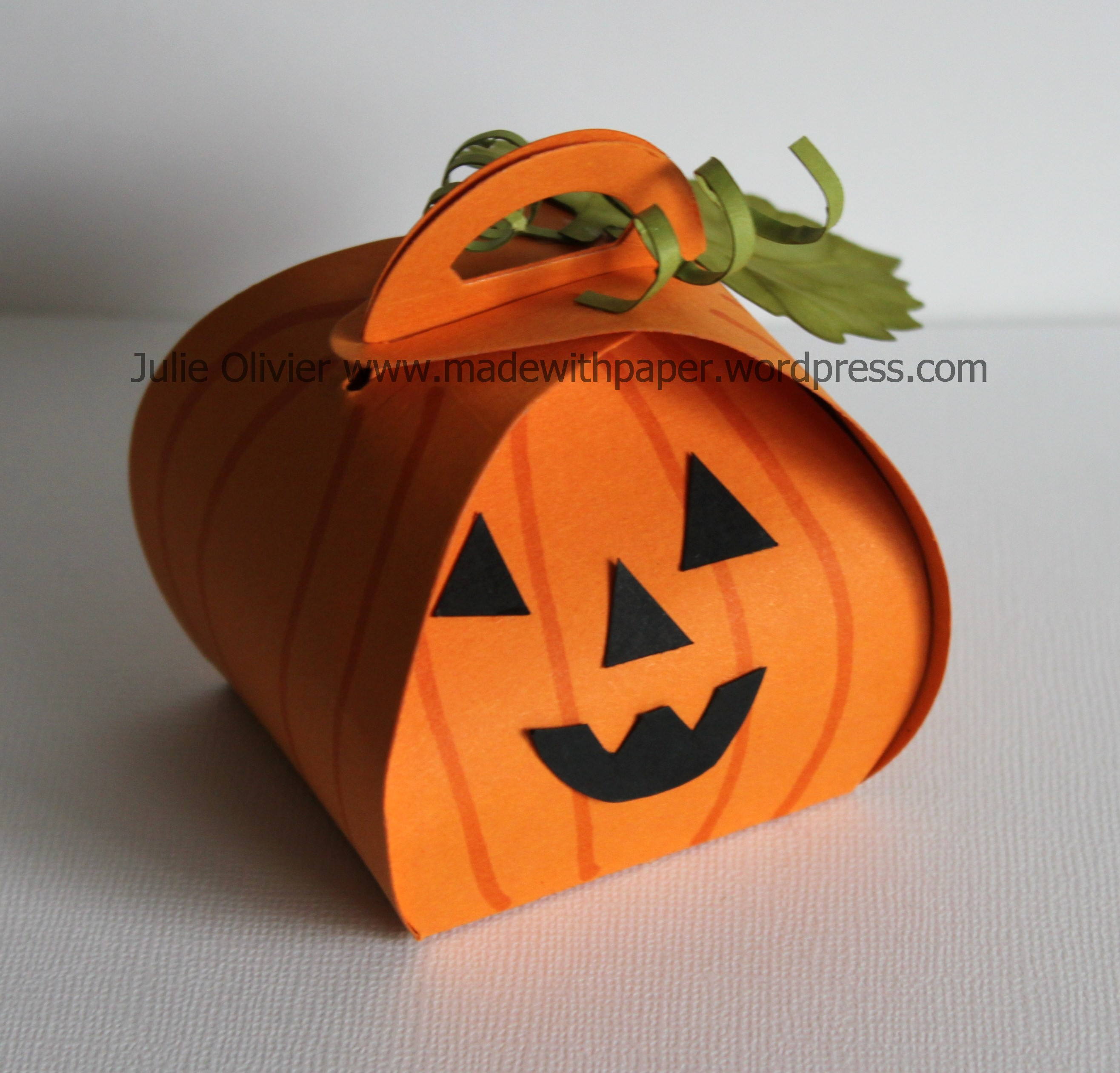 halloween treat boxes with curvy keepsake box thinlits